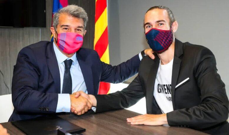 برشلونة يقطع الطريق عن المتربصين و يجدد لمدافعه الشاب