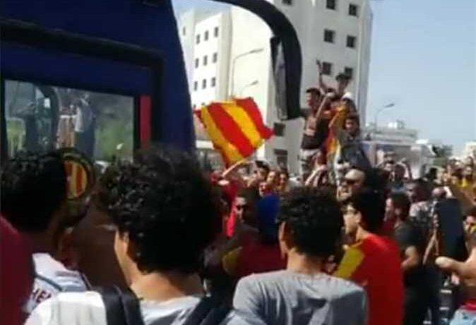 جماهير الترجي التونسي تهاجم حافلة شباب بلوزداد الجزائري
