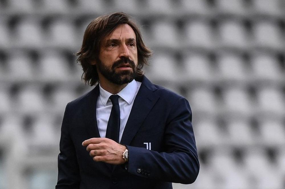 يوفنتوس يعلن إقالة المدرب أندريا بيرلو