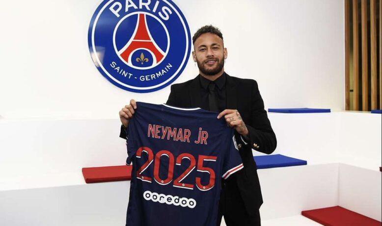 رسميا ... باريس سان جيرمان يعلن تجديد عقد نيمار