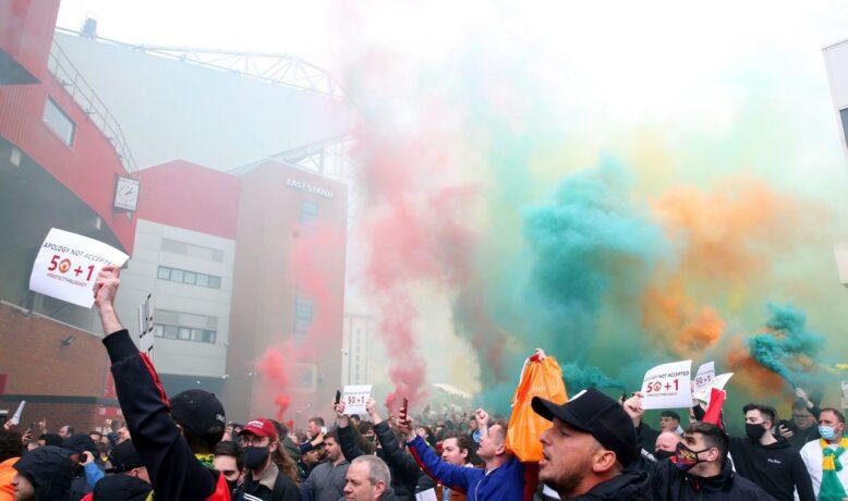 رابطة الدوري الإنكليزي الممتاز تعلن تأجيل مباراة مانشستر يونايتد وليفربول