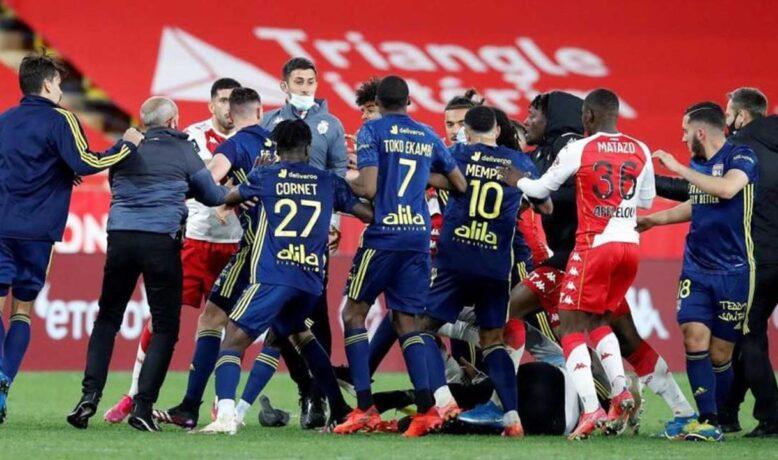 هل تؤثر أحداث مباراة موناكو و ليون على مشوارهم في الليغ 1 ؟