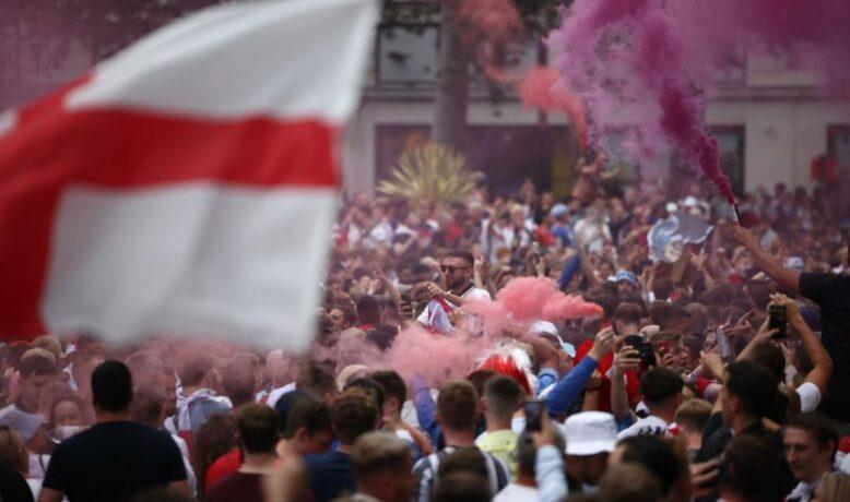 بالآلاف.. جماهير إنجلترا تغزو ملعب ويمبلي قبل قمة