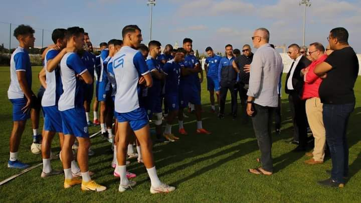 فريق مغربي يضرب عن التداريب بسبب الأزمة المالية