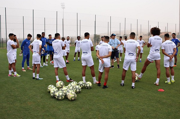 لاعبو إتحاد طنجة يستأنفون تداريبهم
