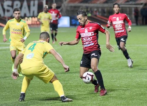 انطلاق البطولة الجزائرية في ظل أزمة الملاعب