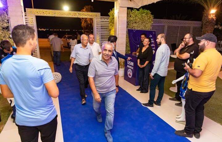بطل السوبر التونسي يكرم المدرب القدير فوزي البنزرتي