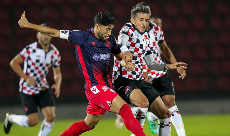 الوداد ينفرد بصدارة البطولة بعد التعادل أمام ش.المحمدية