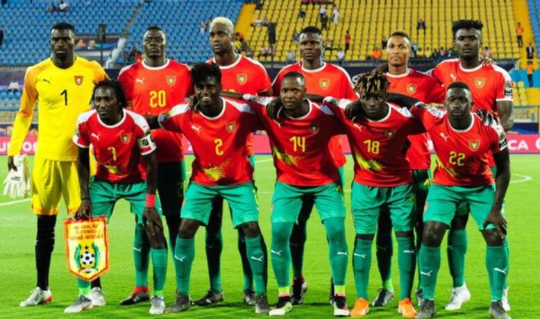 لاعبو غينيا بيساو يتعرضون للتسمم.. ومباراة الأسود قد تؤجل